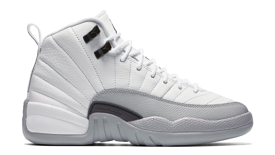 black and white jordan retro 12