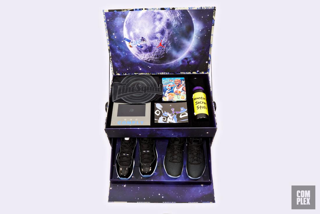 air jordan 11 space jam box