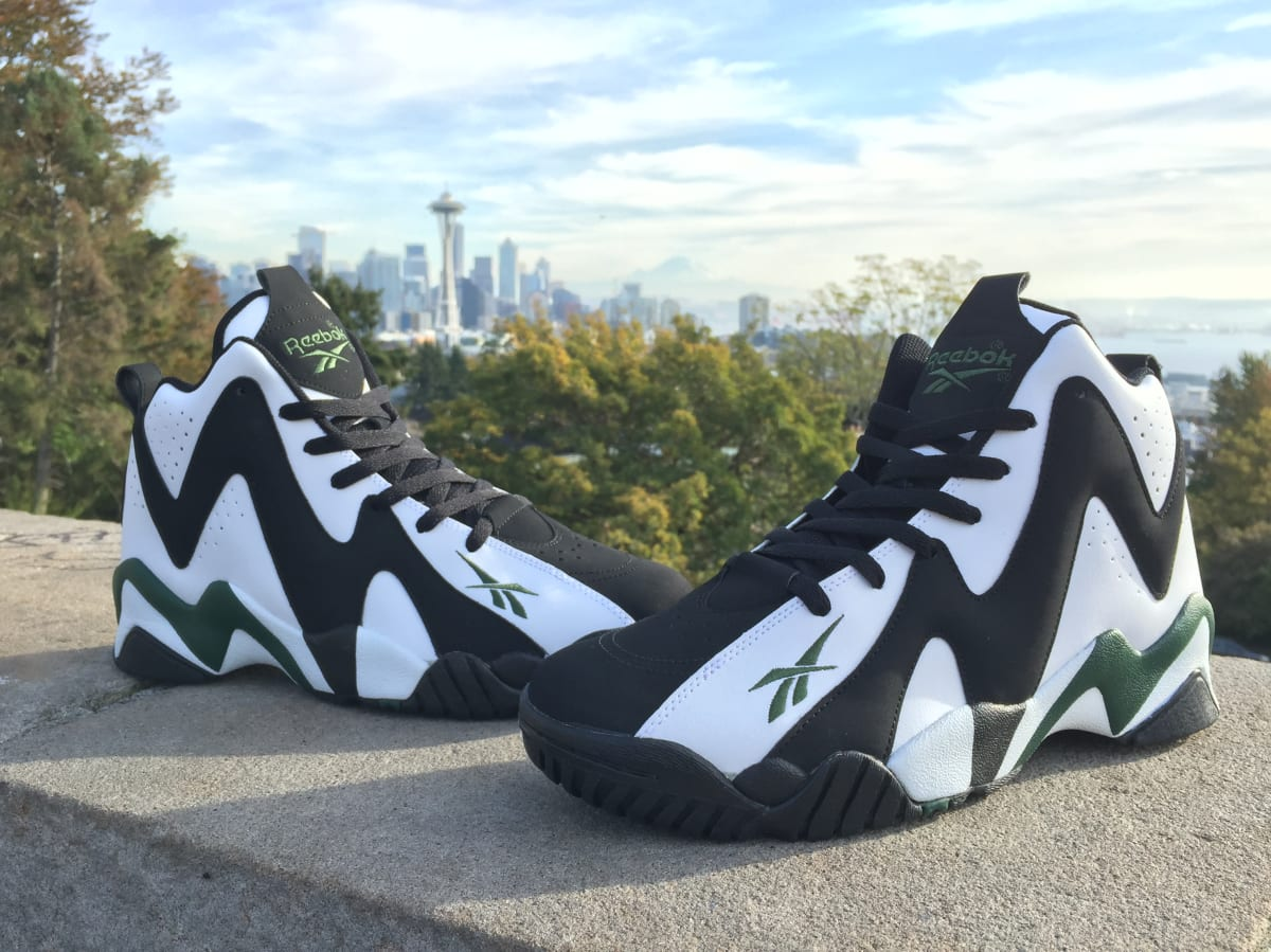 06c4089b9ca Reebok Kamikaze II Returns Black Friday