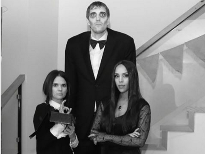 Dirk Nowitzki as Lurch From The Addams Family Is Spot On