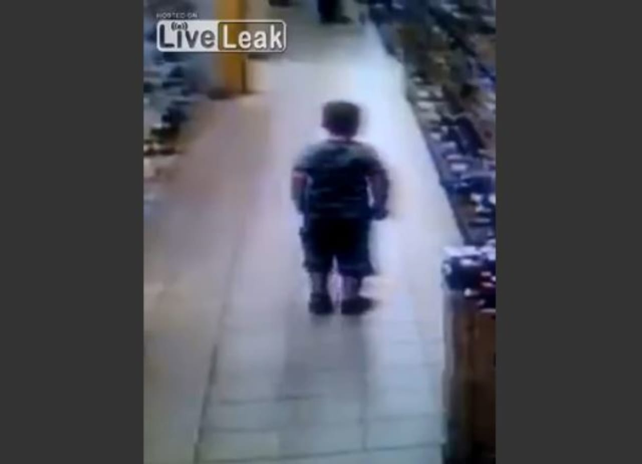 Little Kid Caught on Video Pooping on Supermarket Floor | Complex