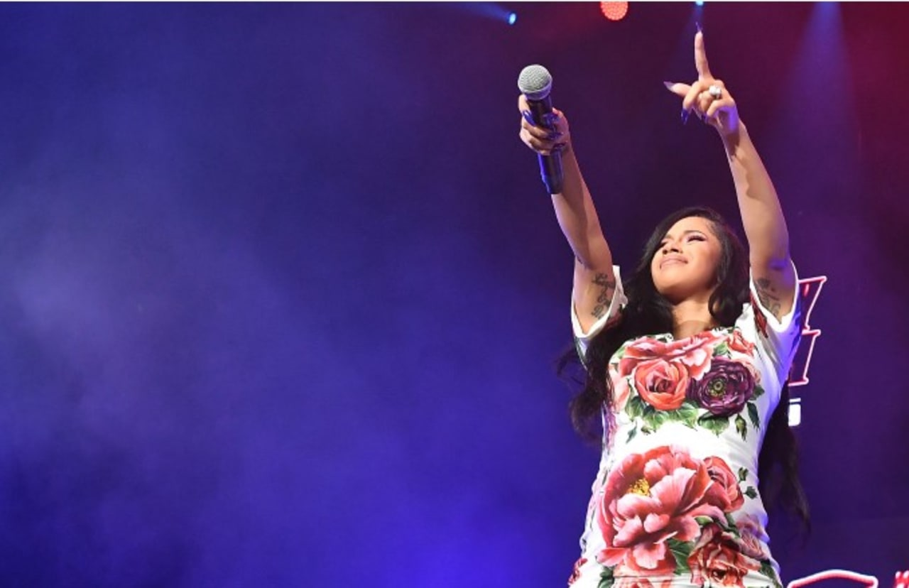 Cardi B Is Now the First Woman Rapper to Land Two No  1 Hits on the  Billboard Hot 100
