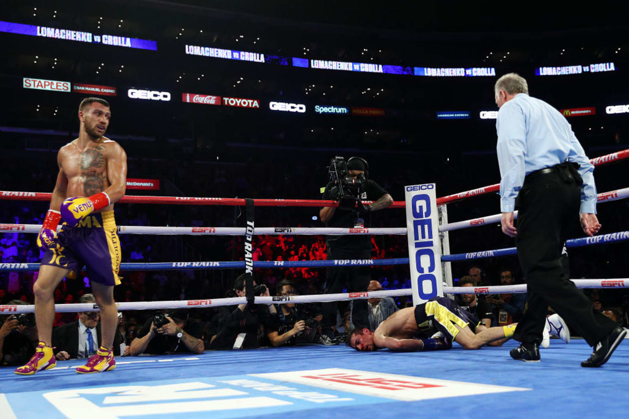 Vasiliy Lomachenko Dominates Anthony Crolla in Lightweight Title