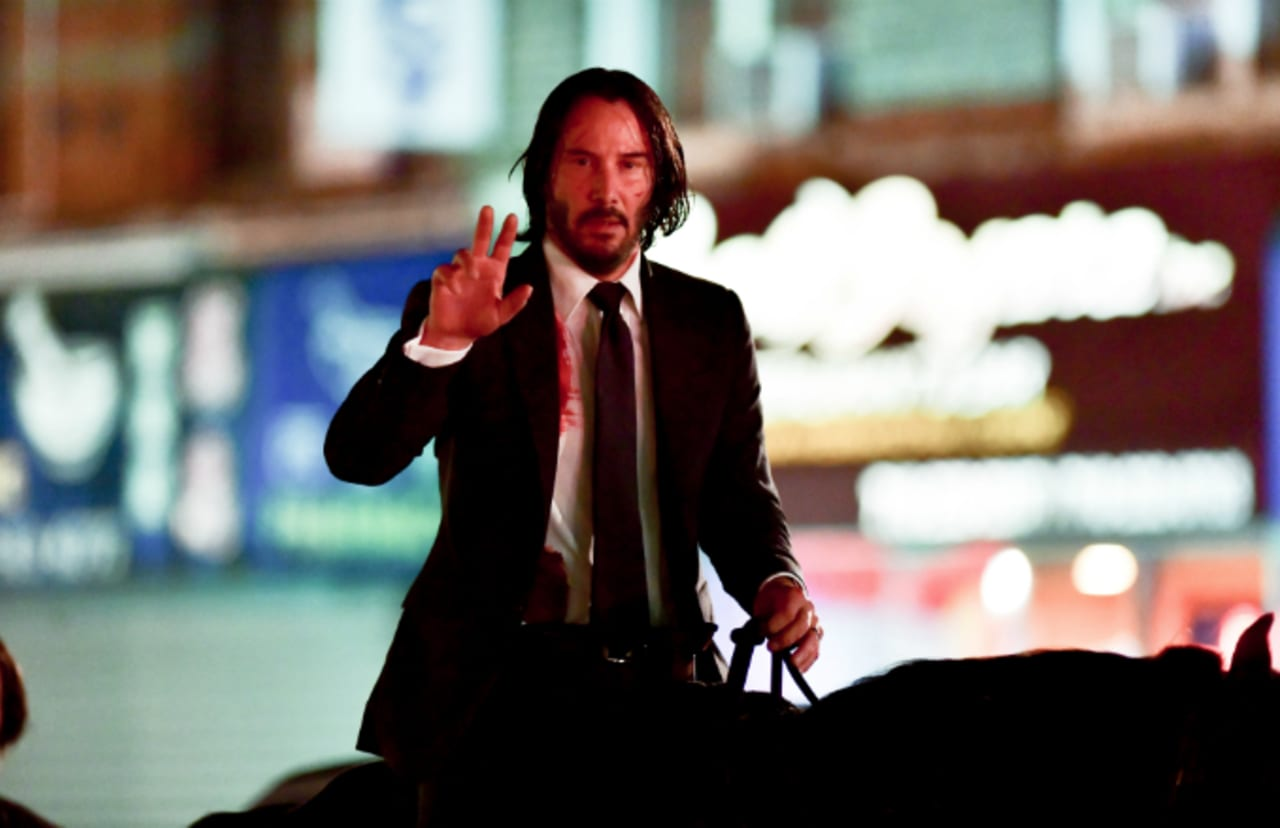 Keanu Reeves Returns To Meme Glory With John Wick 3 Horse Photo Complex