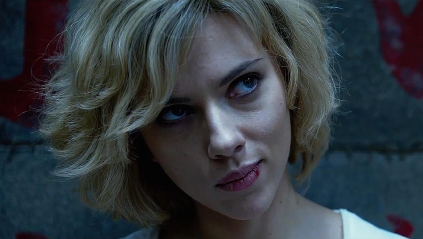Scarlett Johansson clarifies her comments on politically