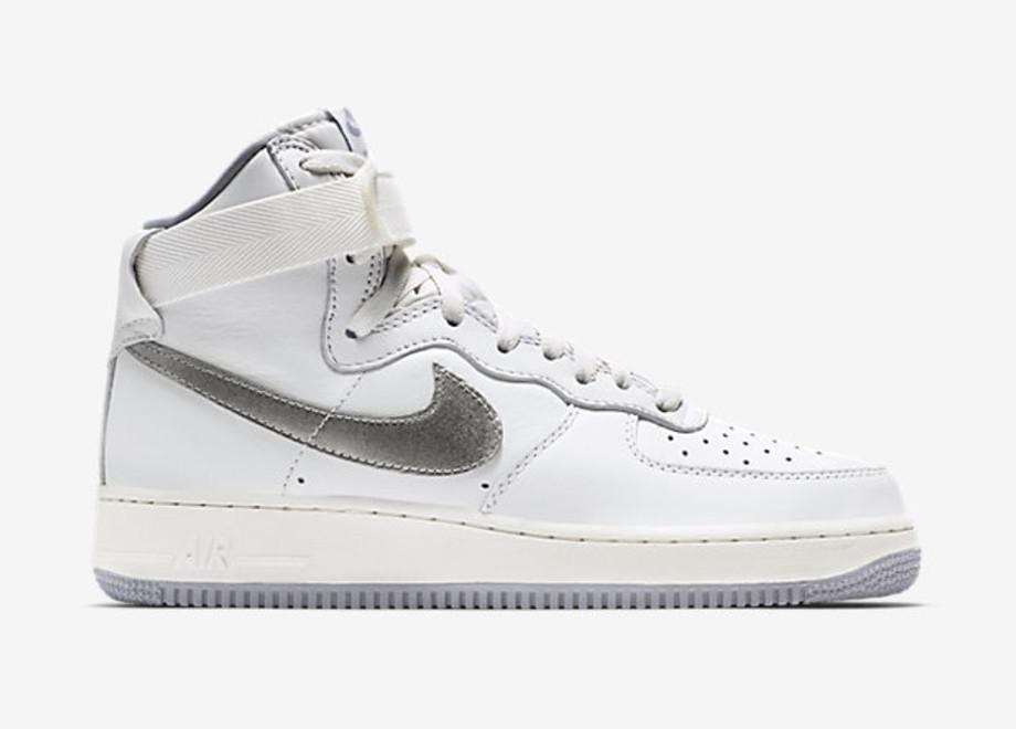 Nike Air Force 1 High QS