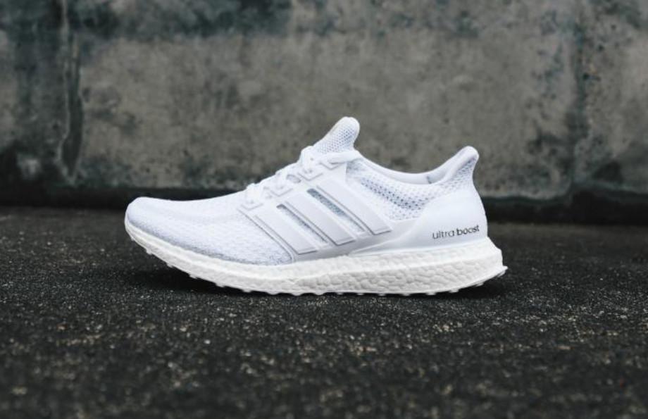 adidas mens triple white ultra boost