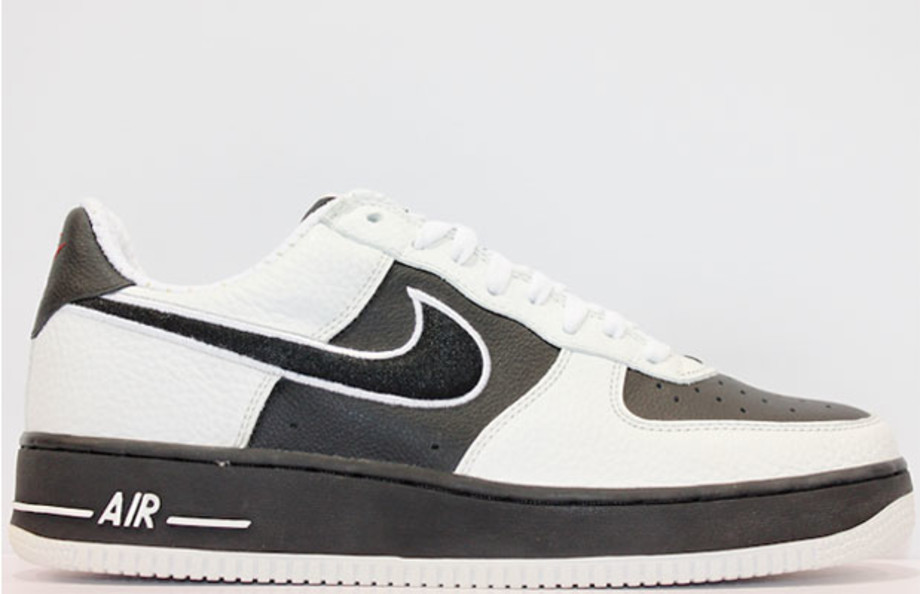 Dominante muy Equivalente  NIKE AIR FORCE 1 JD Sports White Black Sport Gold 2004