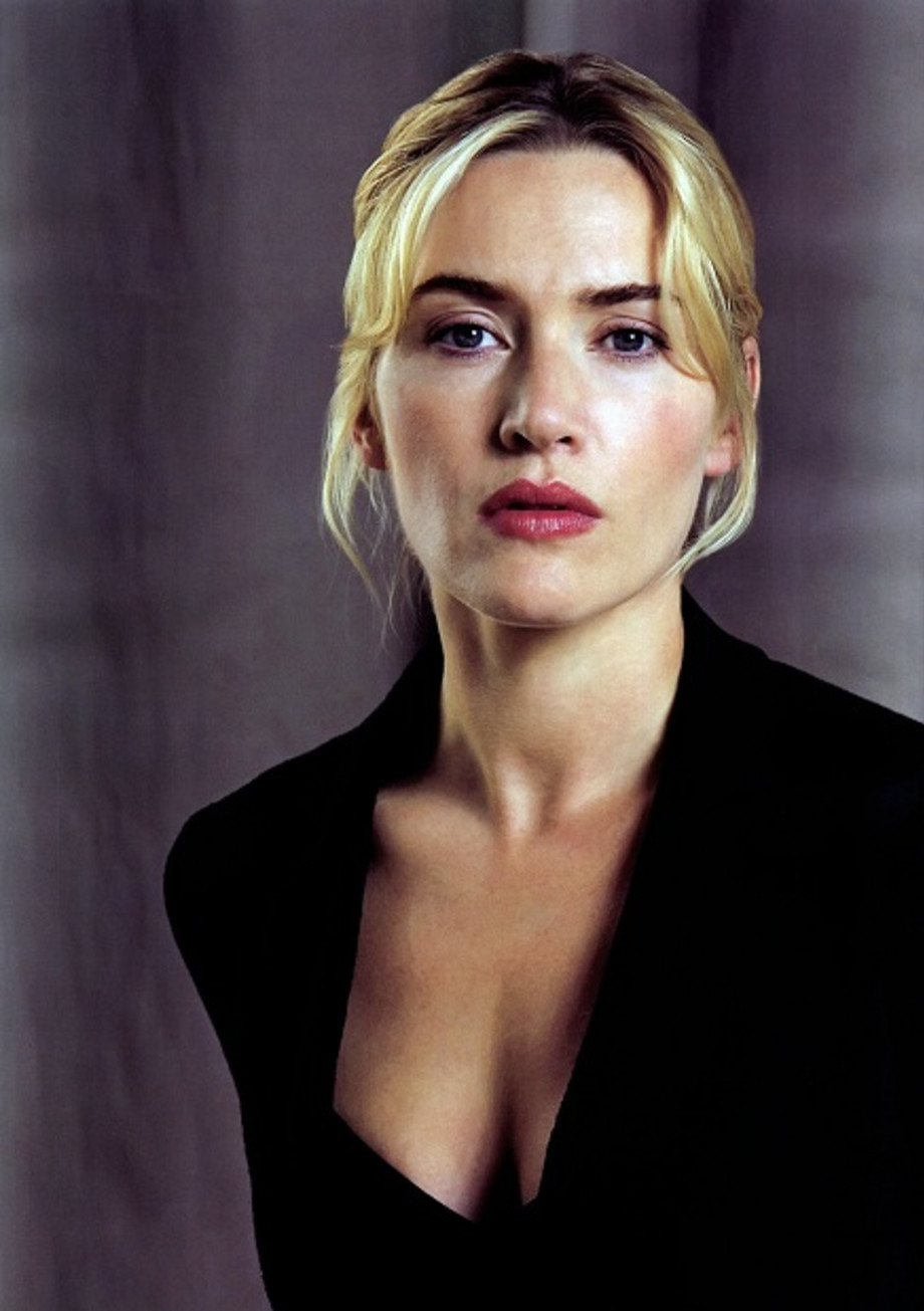 Kate Winslet is still haunted by nude Titanic scene   Closer