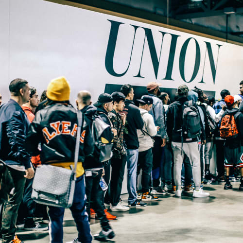 The Union Los Angeles experience where they dropped exclusives with John Elliott and Dr. Woo, Noah, N.E.R.D., Fear of God, Rhude, Awake NY, 000, US Alterations, Jordan and some limited Union Tees. 📷: @TashaBleu