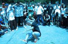breakdancers-li