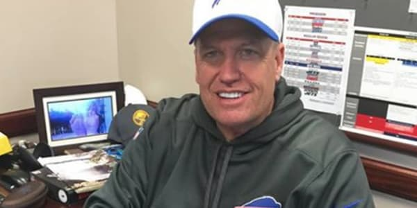 Does Rex Ryan Have A Photo Of His Wifes Feet On His Desk  Complex-5998