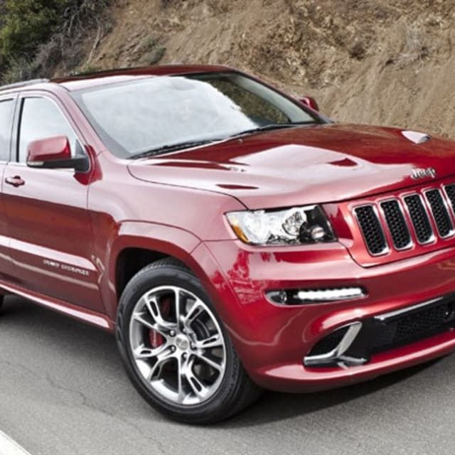 ny preview grand cherokee srt8 is the fastest jeep ever made complex. Black Bedroom Furniture Sets. Home Design Ideas