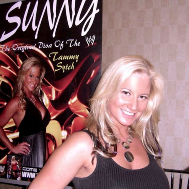 Former wwe diva sunny has signed on to star in her own adult film complex - Star porno diva ...