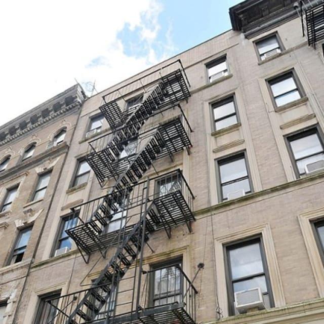 Complex Apartment For Rent: President Obama's New York College Apartment For Rent