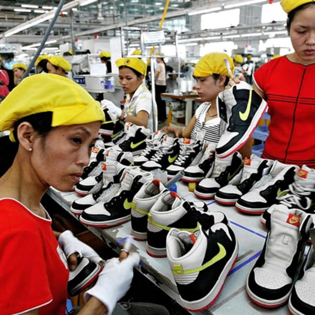 nike inc and sweatshops For future references, nike should learn from their past mistakes and treat the subcontracted employees morally, pay them a better wage.