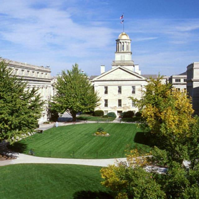 Iowa math teacher sent students her nudes, admits to