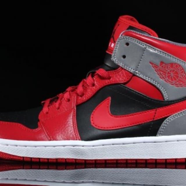 Air Jordan 1 Mid Quot Fire Red Black Cement Grey Reflective