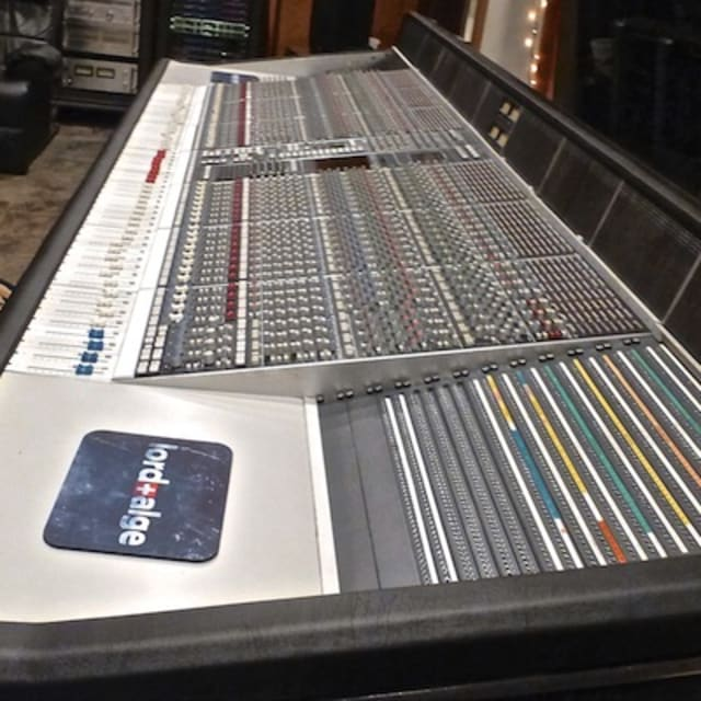 dr dre 39 s legendary ssl mixing console has been restored and is now up for sale complex. Black Bedroom Furniture Sets. Home Design Ideas