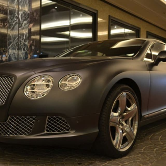The 50 Most Amazing Cars Spotted Outside The Mall Of The