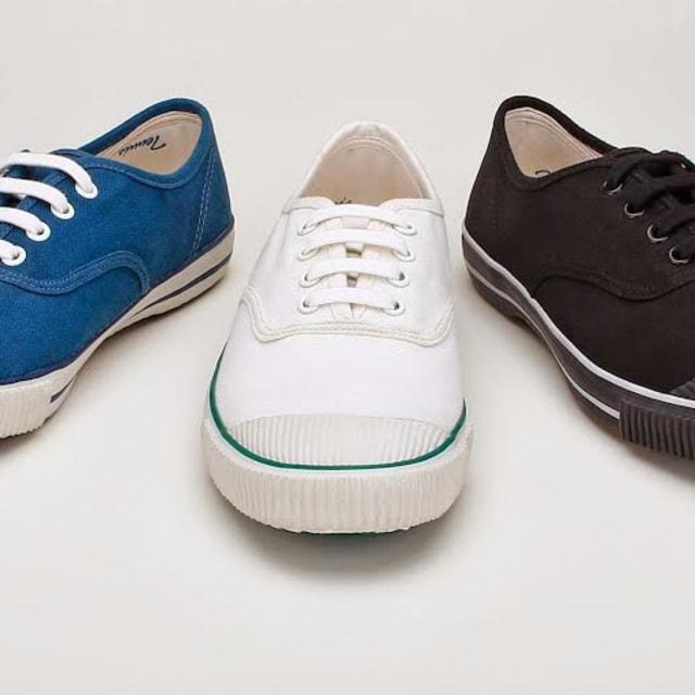 Bata Tennis Canvas Shoes