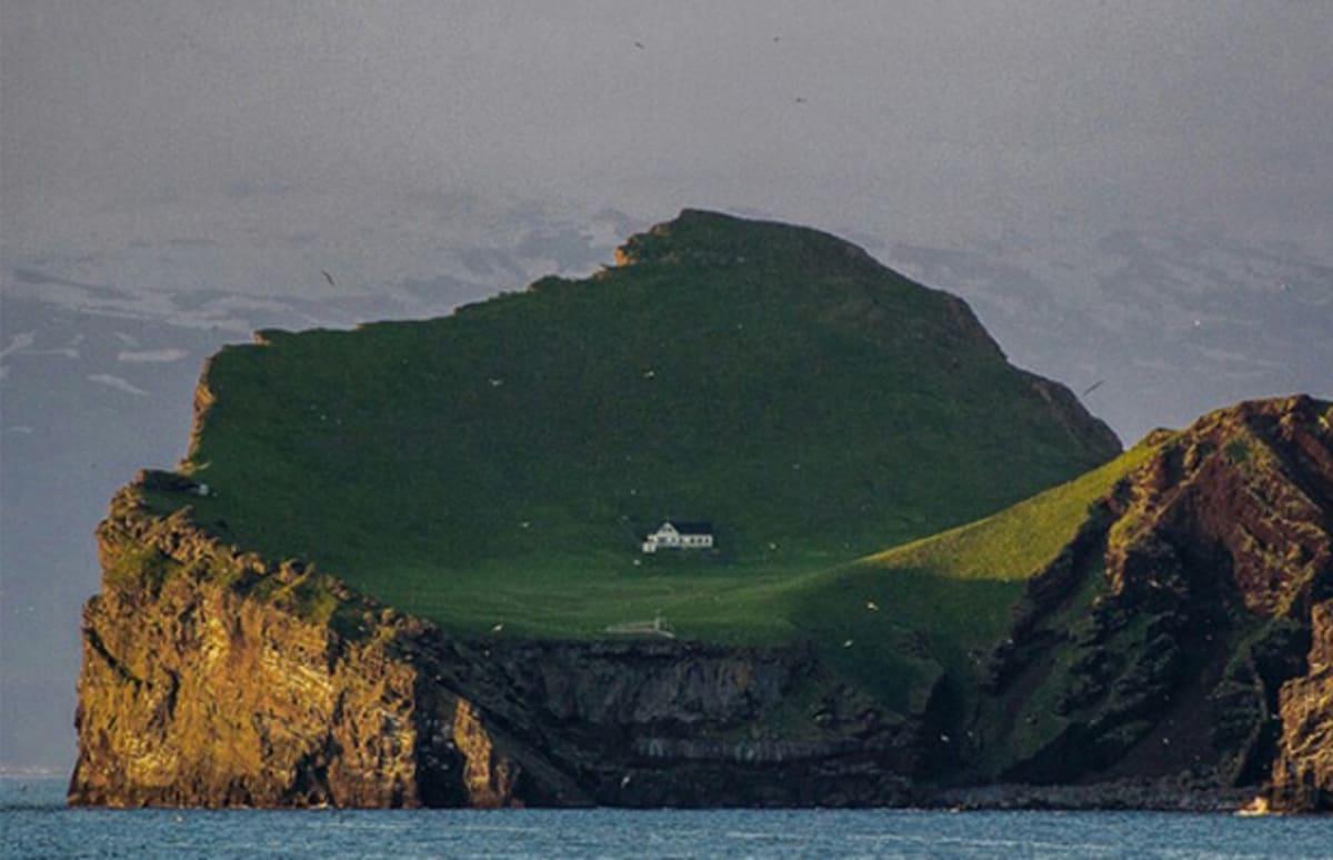 Björk Island