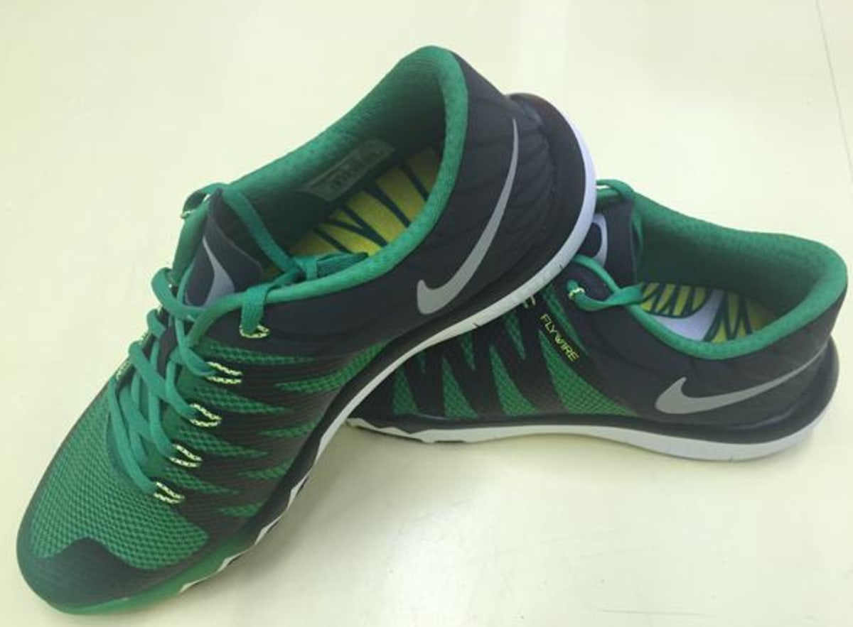 sneakers for cheap 4862b 324ee nike epic react flyknit peach women