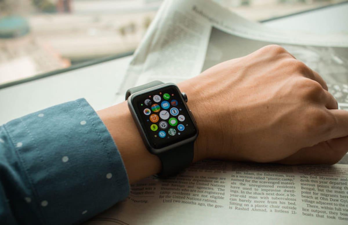 Apple Watch Burns Woman, Apple Tells Her She's 'Wearing it Wrong'