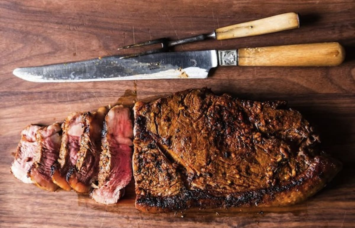10 Necessary Items for the Ultimate Summer BBQ Menu
