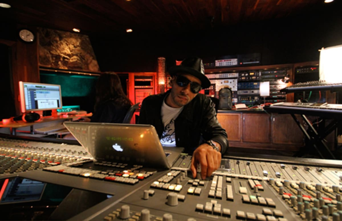 Swizz Beatz Tells All The Stories Behind His Classic Records Part Vampire Audio Fuse Box 1 Complex