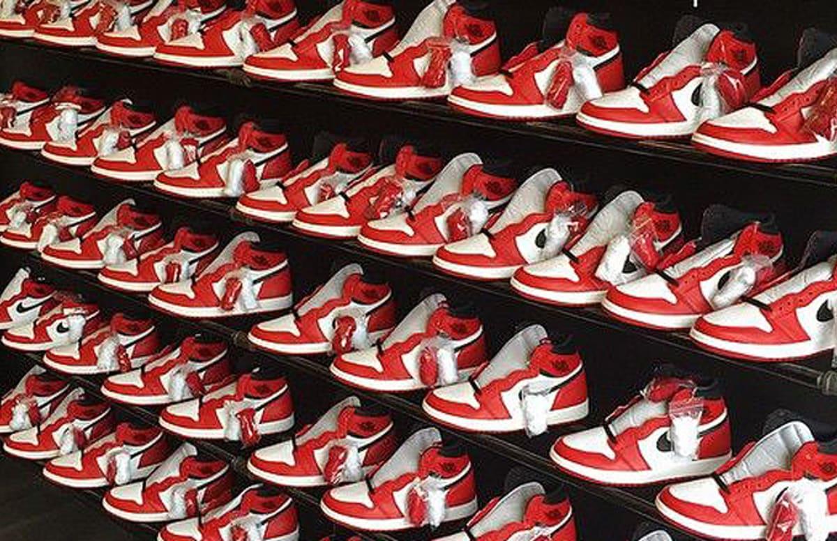Nike Store Oversold Air Jordan 1 Retro Quot Chicago Quot Complex