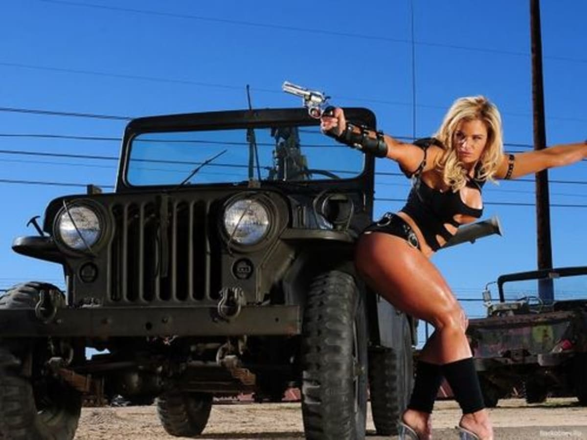We Tumblforya: Hot Girls and Jeeps | Complex