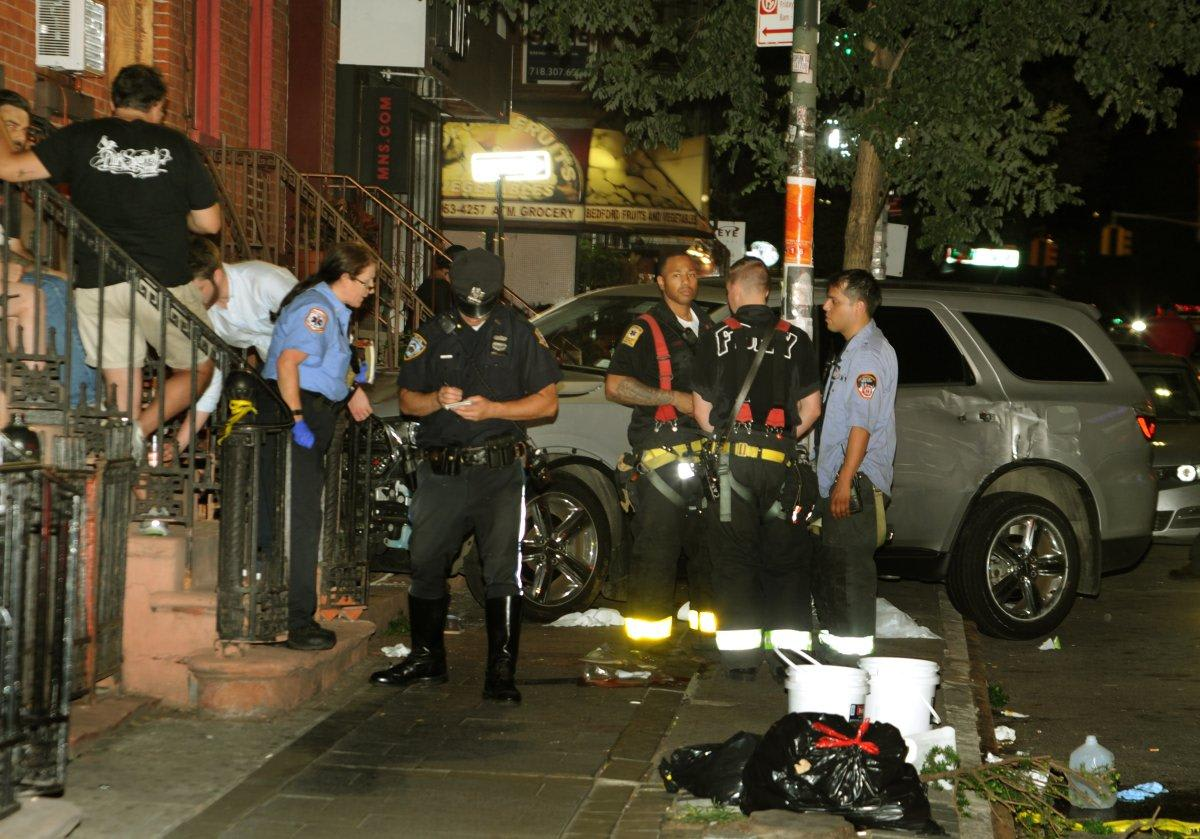 Drunk Off Duty Nypd Cop Runs Suv Onto Brooklyn Sidewalk