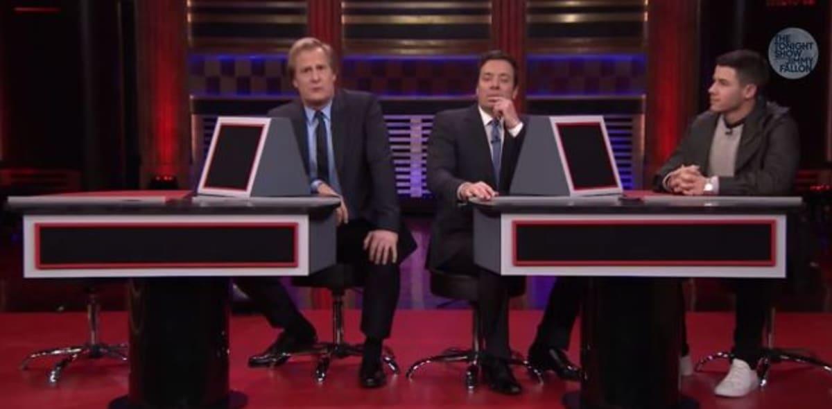 "Jeff Daniels Shows Off His Twerking Skills on ""The Tonight Show"""