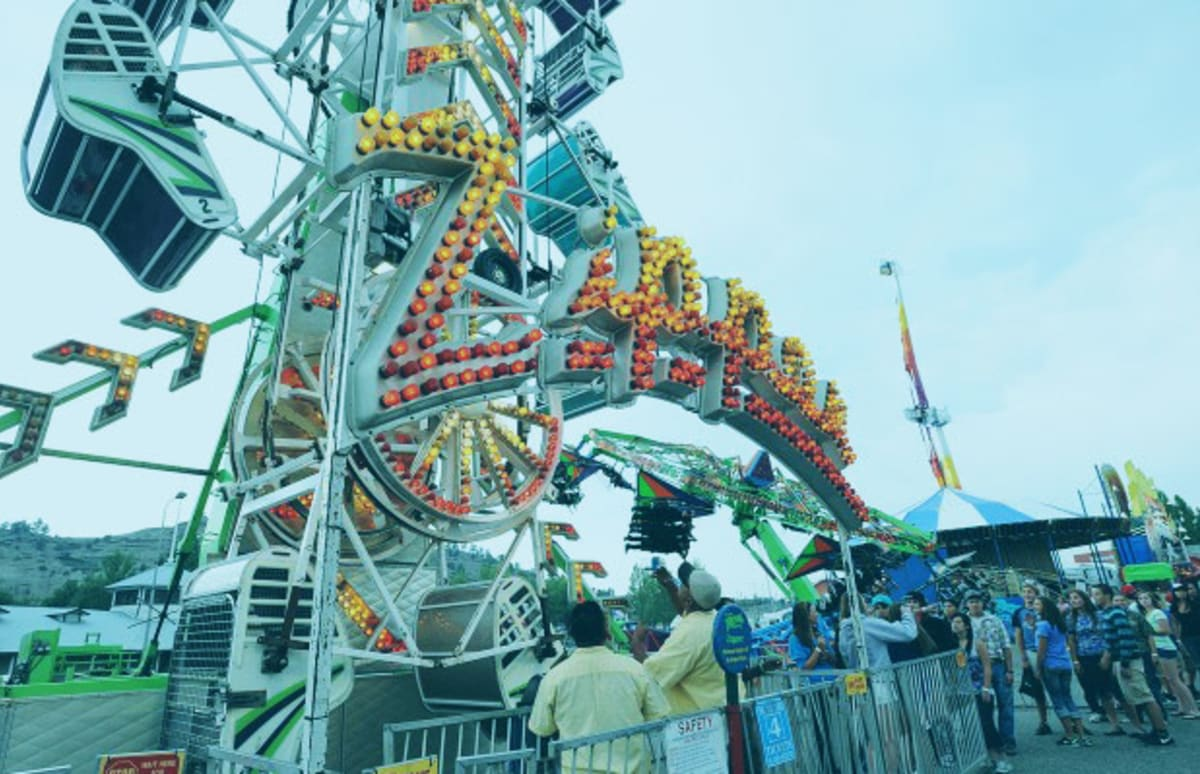 red white blue 16 carnival rides that look like they could kill