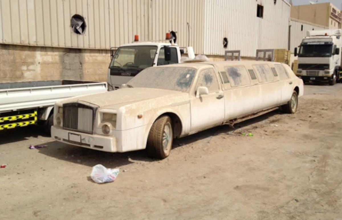 Chrysler 300 14 Wild Fake Rolls Royces Complex Fuse Box Price