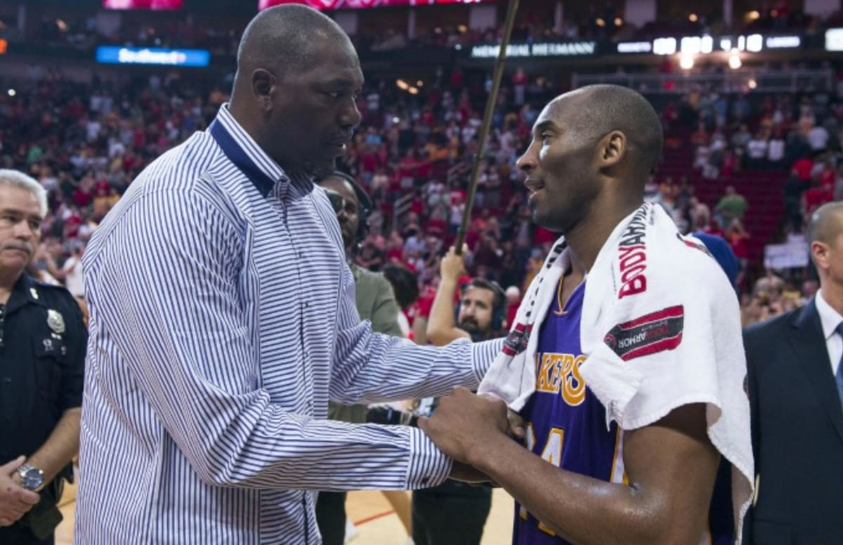 Kobe Bryant Hugs Hakeem Olajuwon After Dropping 35 Points in Final