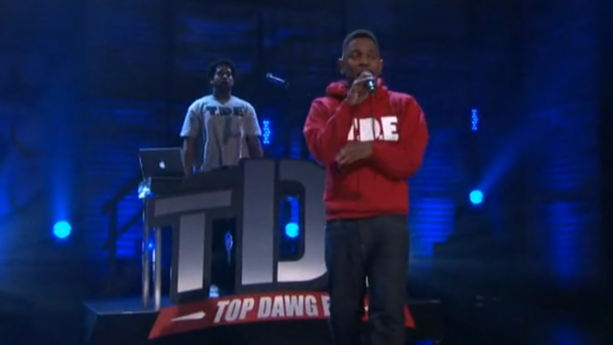 Video Kendrick Lamar Performs Swimming Pools On Conan Complex