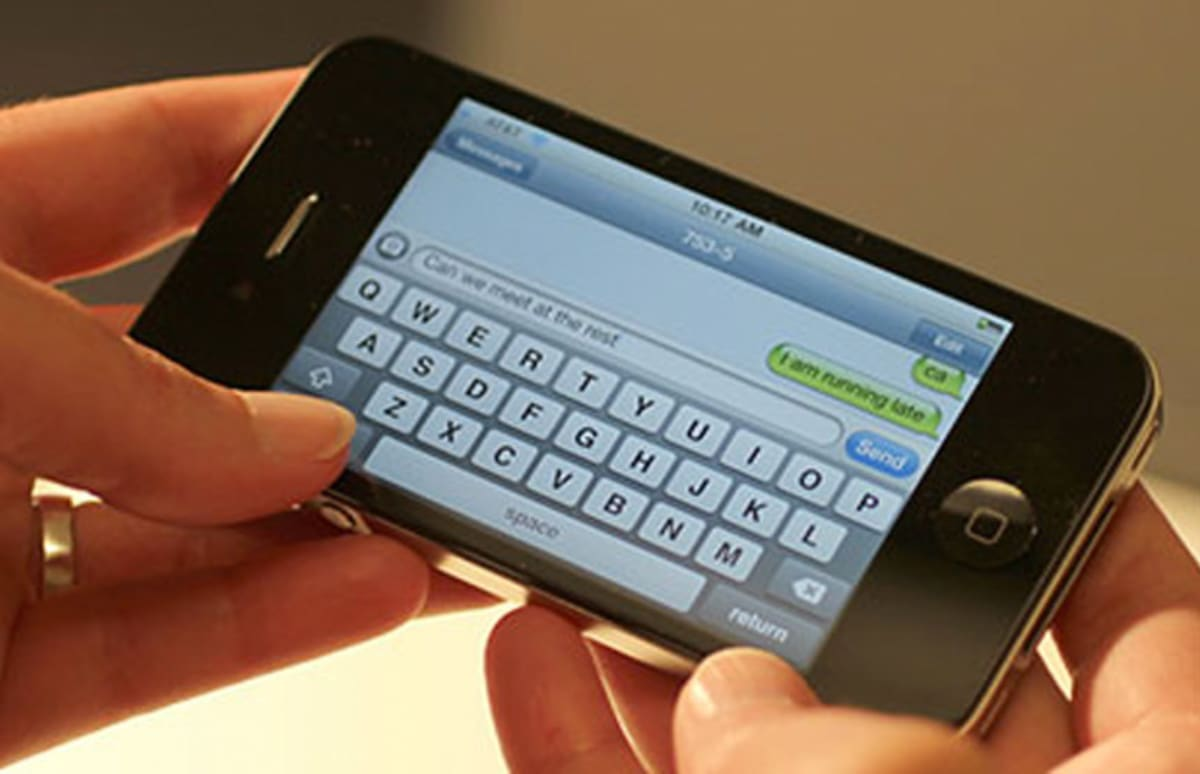 Iphone Not Sending Text Messages To One Person
