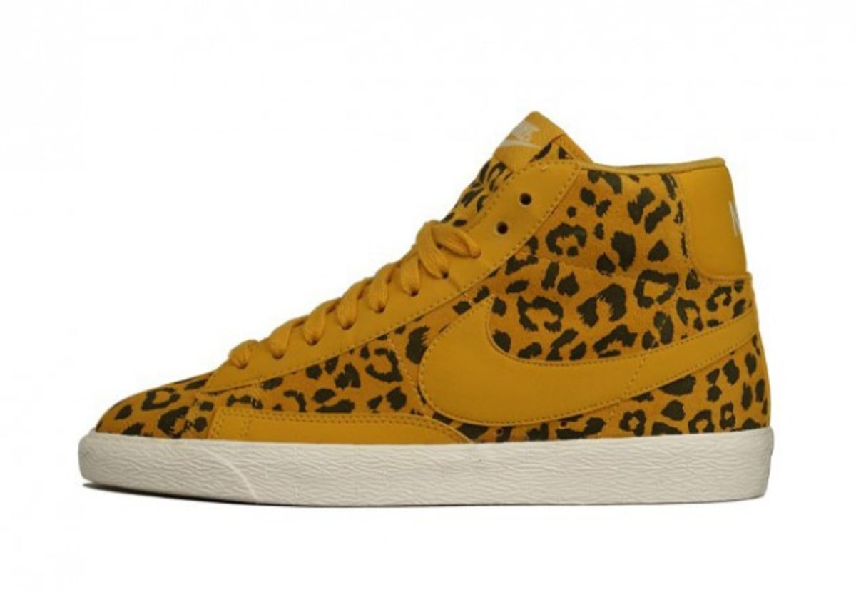 April 21, - Already a bold take on a classic silhouette, the Nike Blazer women's golf shoe is now available in leopard print and is being worn by golfer Michelle Wie during competition.