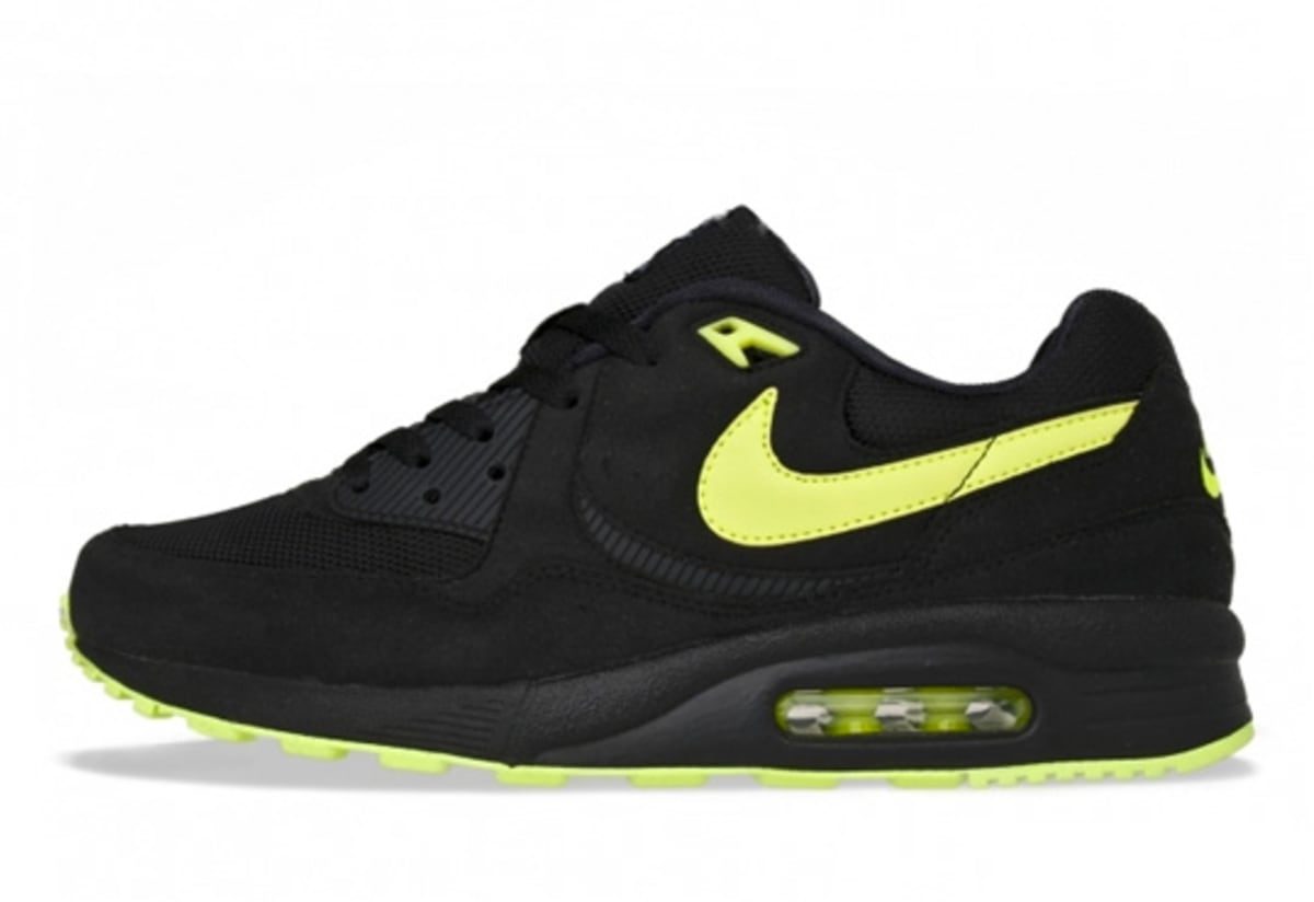 nike air max light black neon yellow complex. Black Bedroom Furniture Sets. Home Design Ideas