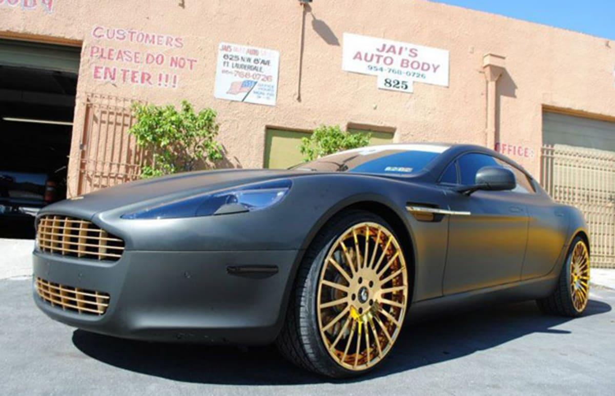 Meek Mill Throws 22 Inch 24 Karat Gold Rims On His Aston