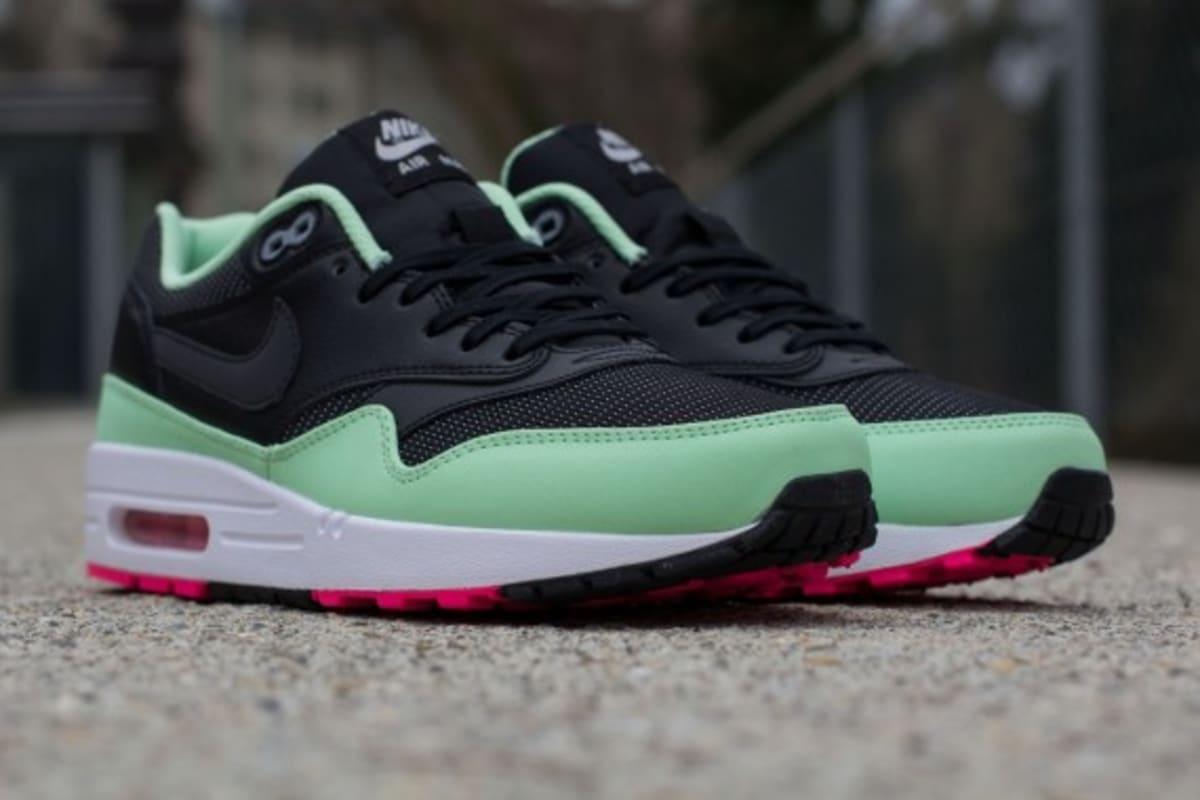 nike air max 1 fb yeezy black/fresh mint/pink