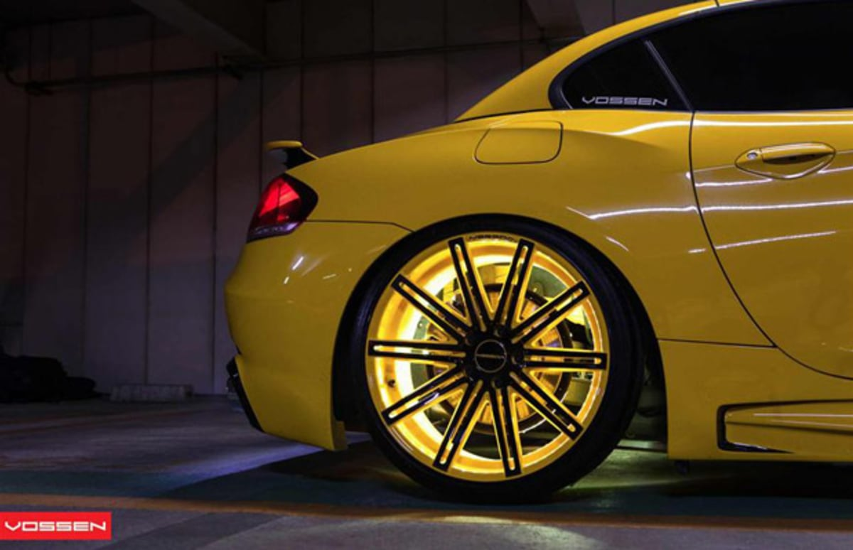 Vossen Wheels Goes Yellow With This Tron Like Bmw Z4 Complex