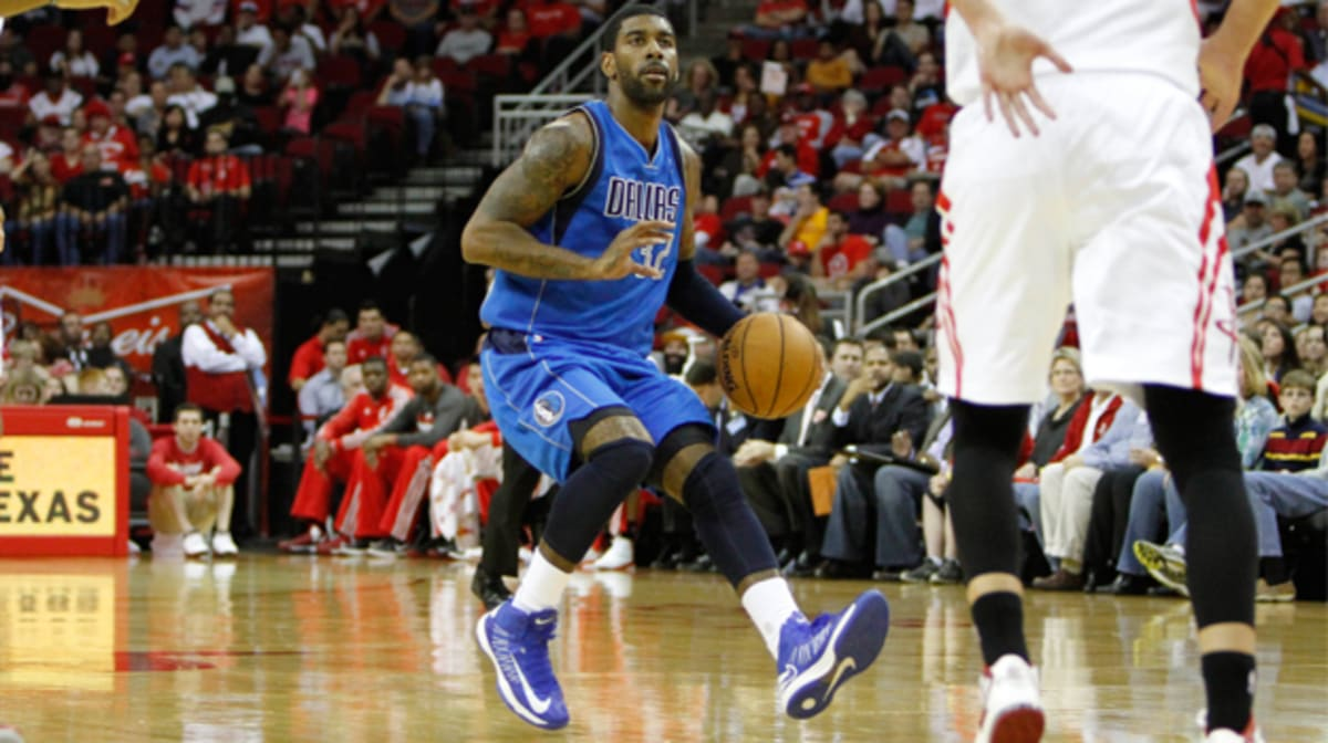 where did kyrie irving play college basketball nike black hyperdunk