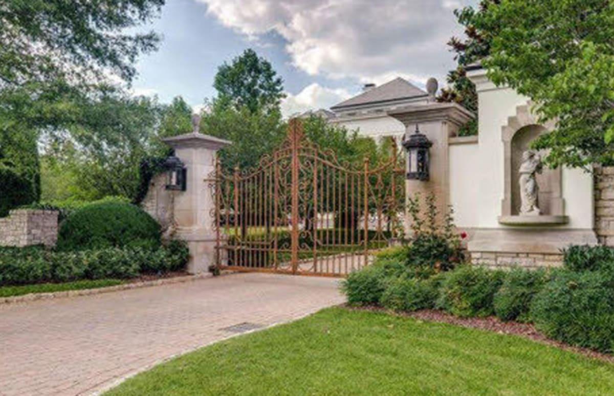 Inside Johnny Depp's New $17.5 Million Home in Nashville ...