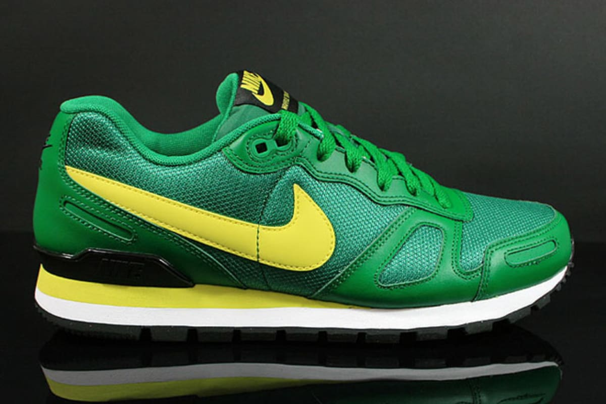 nike air waffle trainer pine green complex. Black Bedroom Furniture Sets. Home Design Ideas