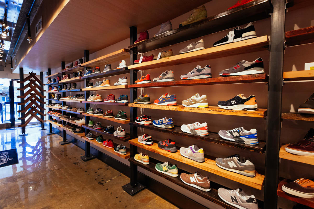 how to get a discount on sneakers complex