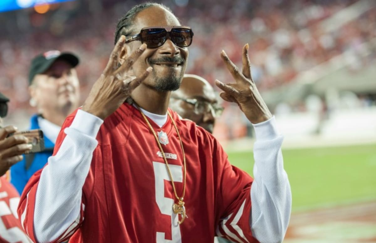 Big Tex Auto >> Snoop Dogg Doesn't Smoke Weed When Coaching Youth Football ...