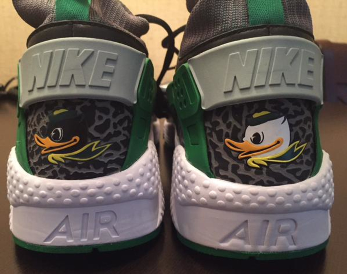check out 5f925 00f3f Here's the Story Behind the Oregon Ducks Nike Huaraches